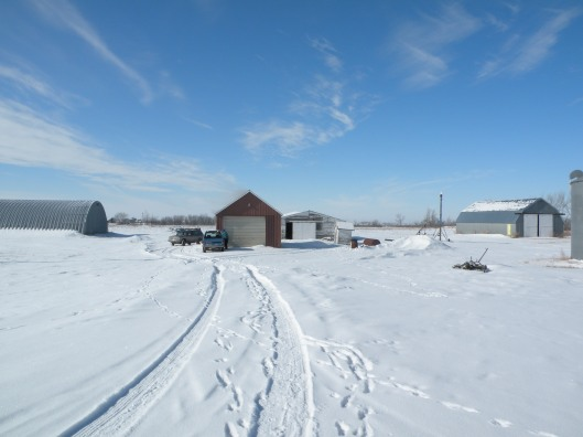 This is the farmyard where my mom grew up, where my Grandpa Leonard and Grandma Anna Hanson raised their kids and where I rode horses and played with my cousins when I was a kid.  My dad's farm was just about three miles west of here.